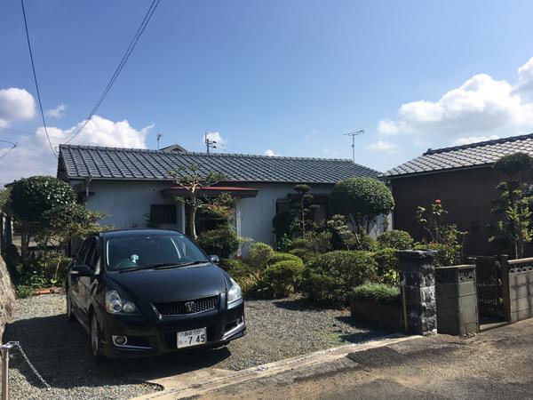 外観。和風造りの平屋3DKのお家です。1棟は納戸として使用可